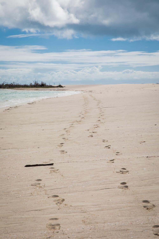 Fußspuren im Strand